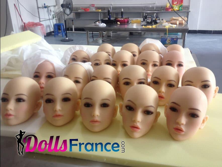 Notre usine Dolls France Ltd tetes