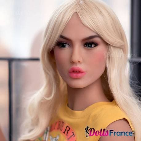 Amber la poupée fashionista nympho 165cm 6YE
