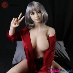 Poupée Qian Ai sexy dans son lit 158cm Qita Doll