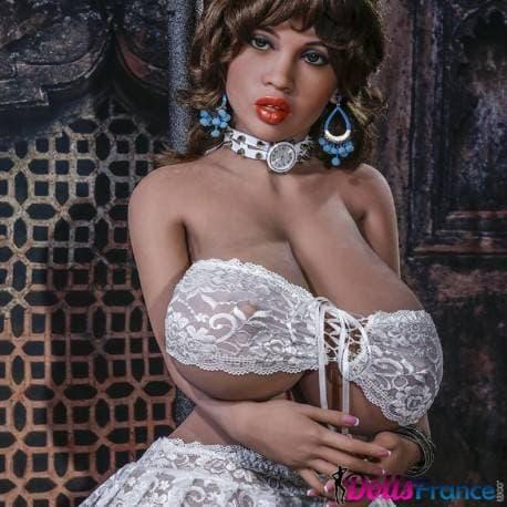 Aisha forte poitrine et gros cul 146cm YLdoll