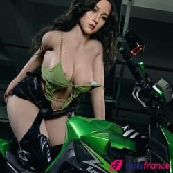 Yvonne la sex doll motarde sexy aux gros seins 165cm bonnet F Zelex