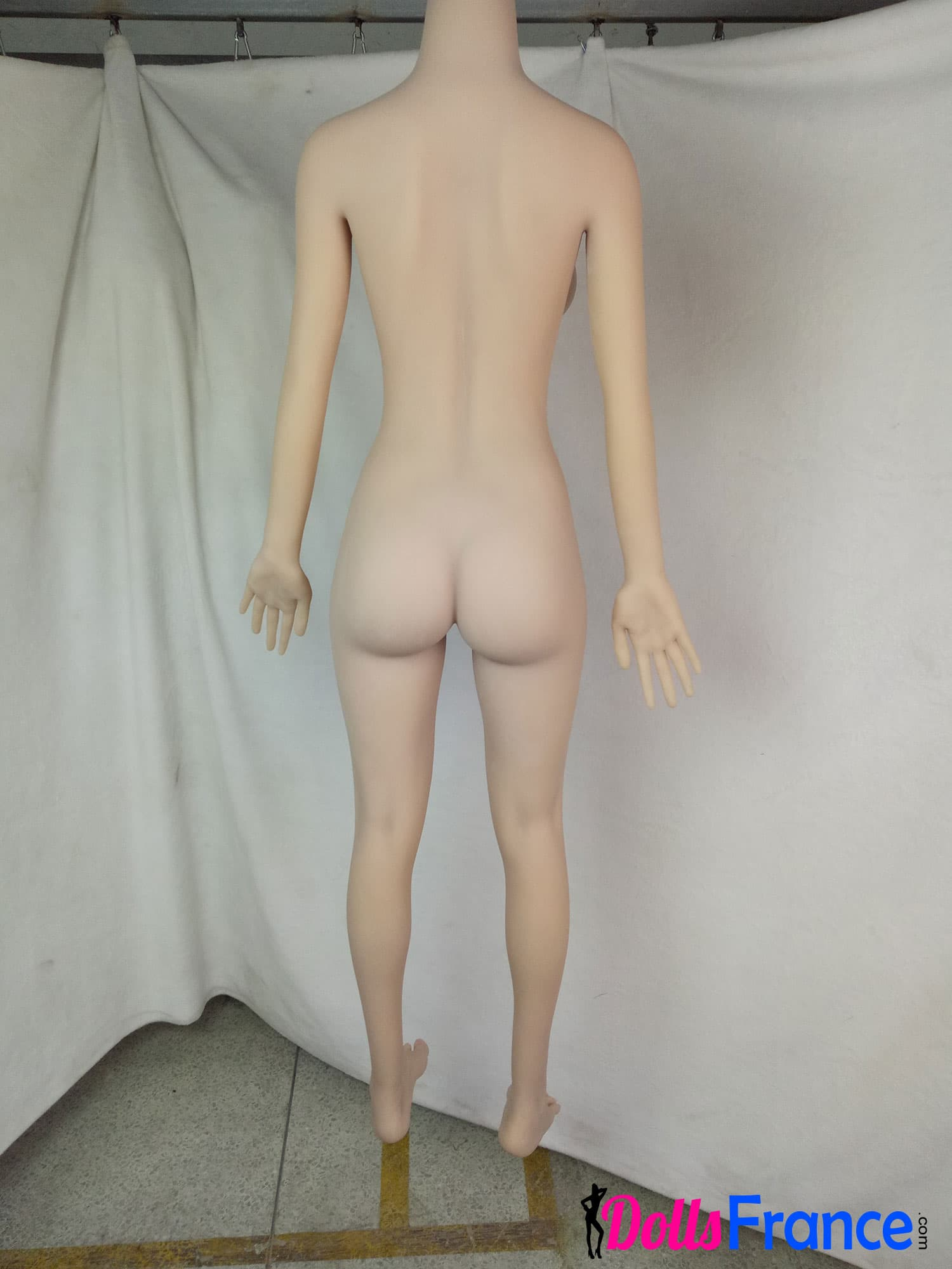 corps nu de dos fesses poupée smdoll 148cm