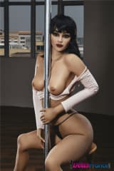 La poupée Connie au pole dance 168cm IronTech